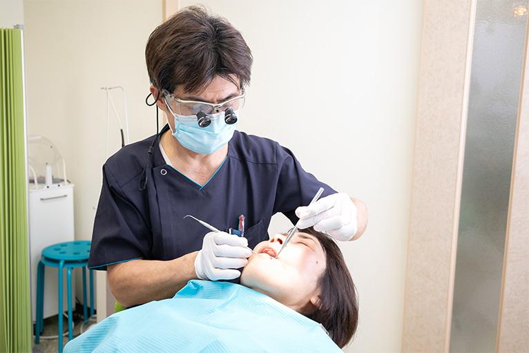 カビの除去薬剤、またはカビとり歯磨き剤でブラッシング